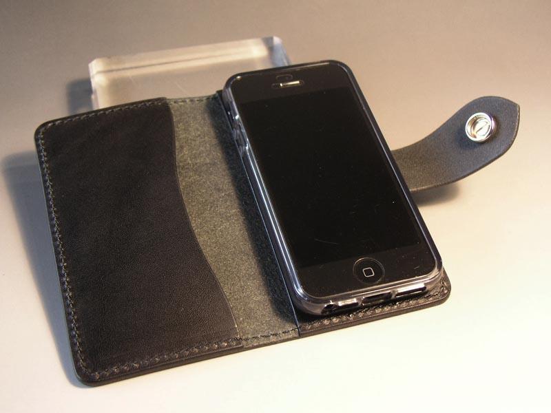 fcd173b64e サドルレザー iPhone SE / iPhone5Sケース(バッファローコンチョ)+ナスカン/GREEN HORN グリーンホーン レザークラフト& スタッズアート